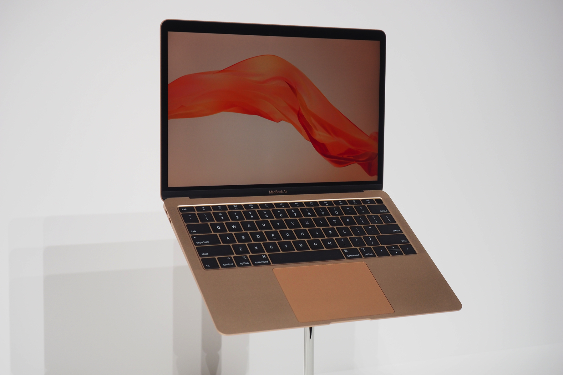 MacBook Air mới
